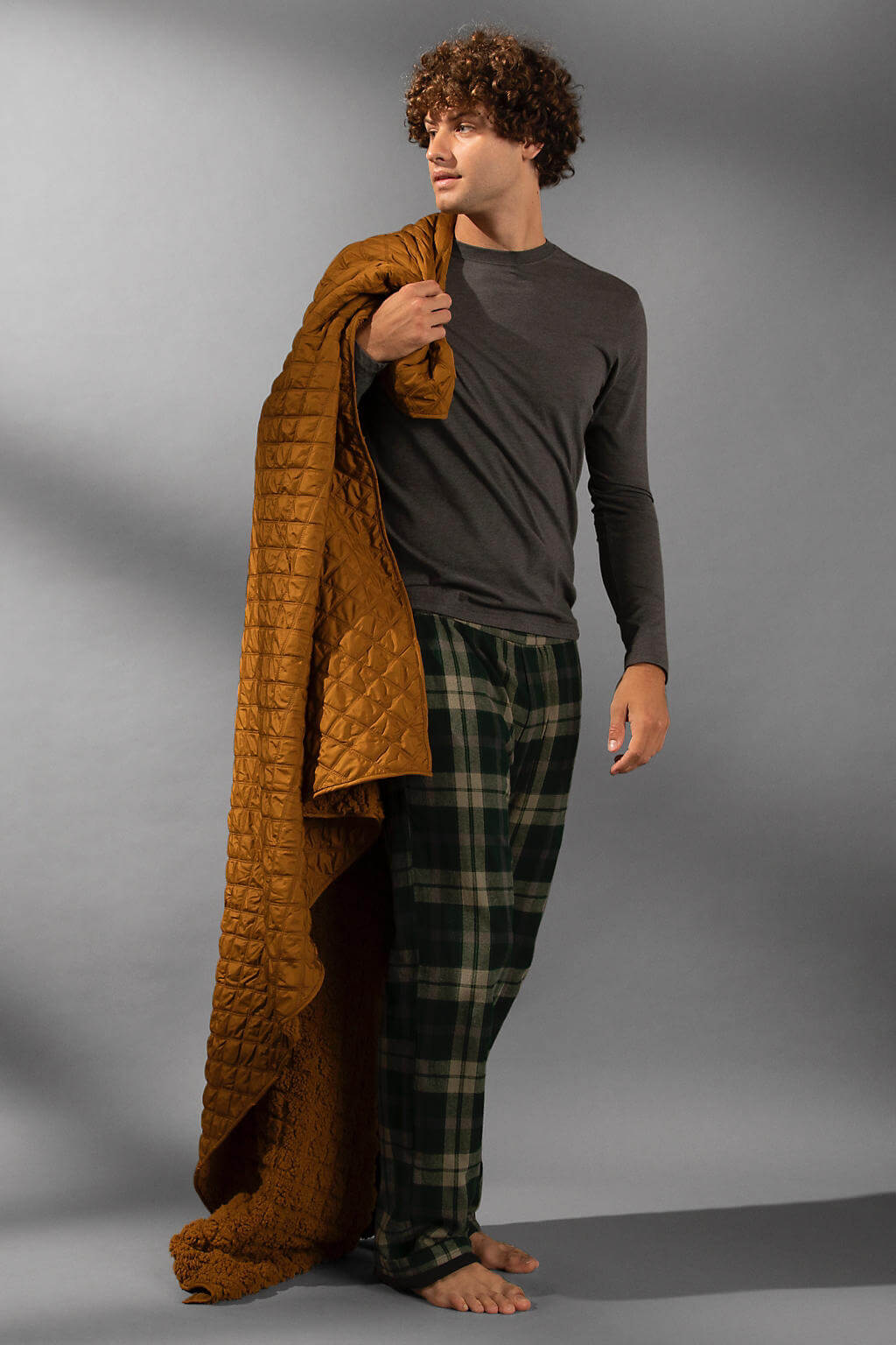 Men's Blankets & Pajamas